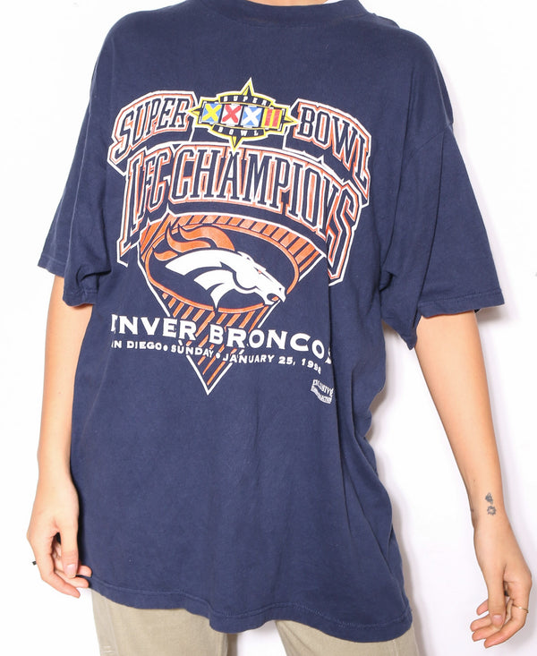 90'S TOMMY HILFIER GREY WITH BOX LOGO TEE *DISTRESSED LOGO* (S)