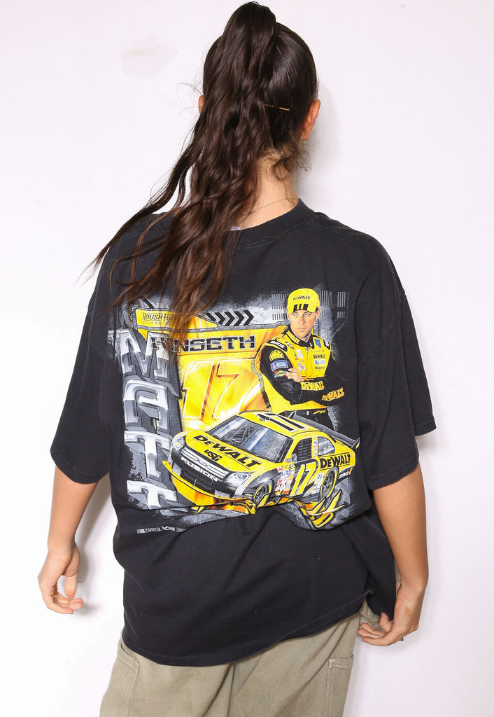 90'S TOMMY HILFIGER NAVY WITH EMBROIDERED LOGO TEE (L)