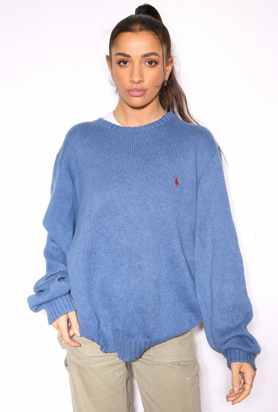 90'S NIKE WHITE WITH GOLD EMBROIDERED SWOOSH V-NECK TEE *SMALL MARK ON NECKLINE* (M)