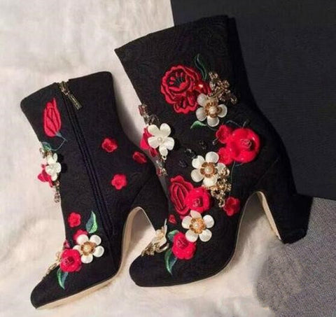 M A R Y Flower Embroidery Heels