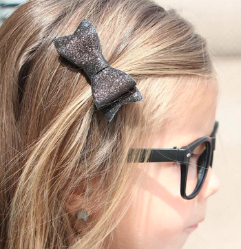 Charlotte Glitter Clip Bow - The Kinsley Collection