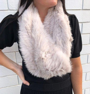 Short Fur Snood in Cream TRP190