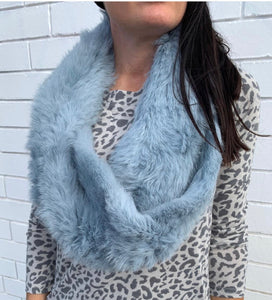 Short Fur Snood in Ice Blue TRP190