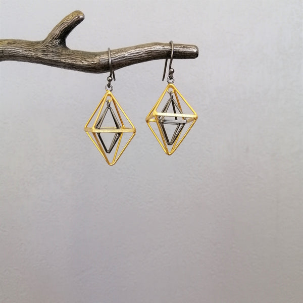 Tetrahedron black rhodium and gold earrings