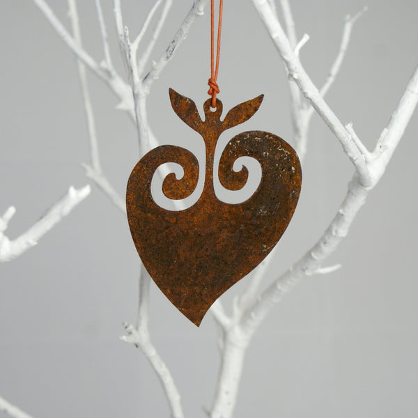 Rusted Shape-Koru Heart