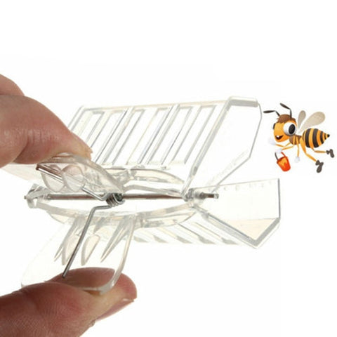 Image of Plastic Queen Cage Clip Bee Catcher