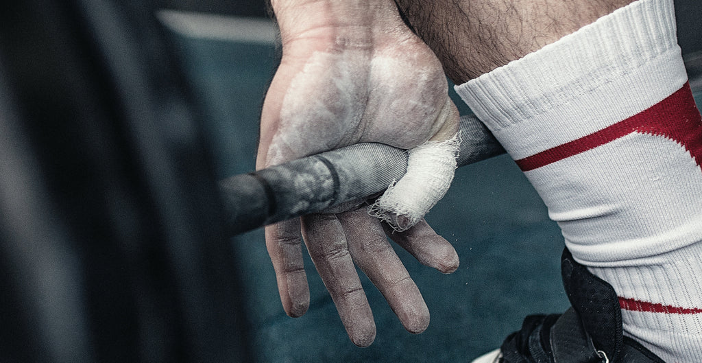 What is the difference between a hookgrip and a regular grip?