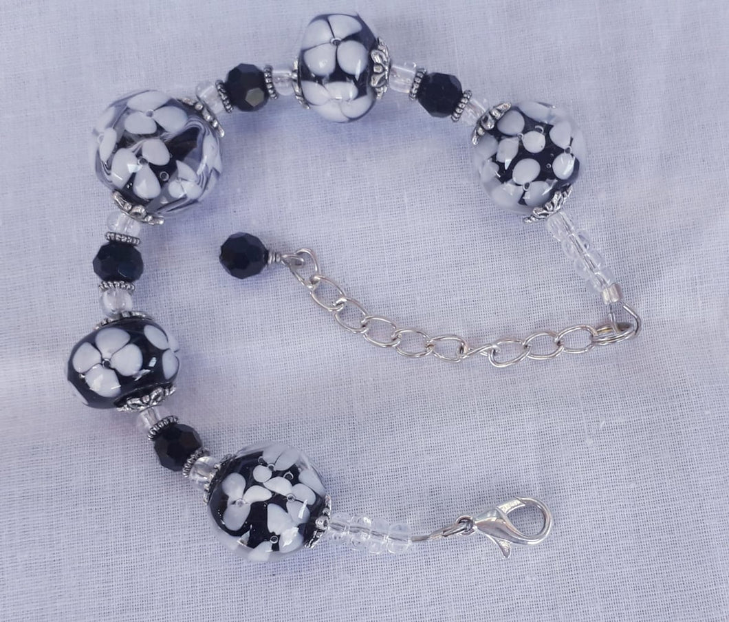 Black and White Crazy Daisy Bracelet