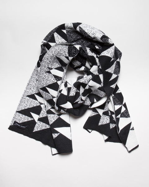 Triangulo Long Scarf