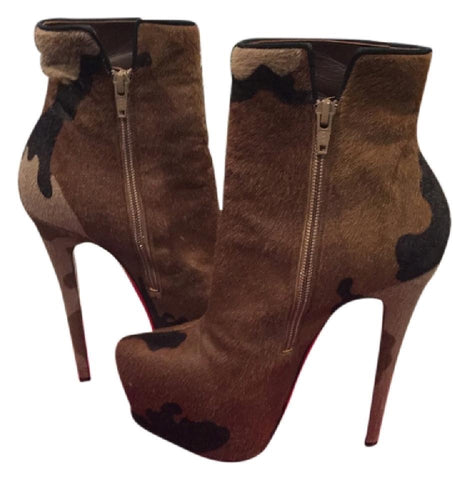 CHRISTIAN LOUBOUTIN Daffy Bootie, 38.5