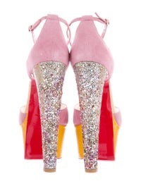 NEW IN BOX Christian Louboutin Nenecheritza Pump, 39