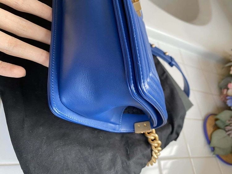 Blue Roi CHANEL Boy Bag Medium GHW