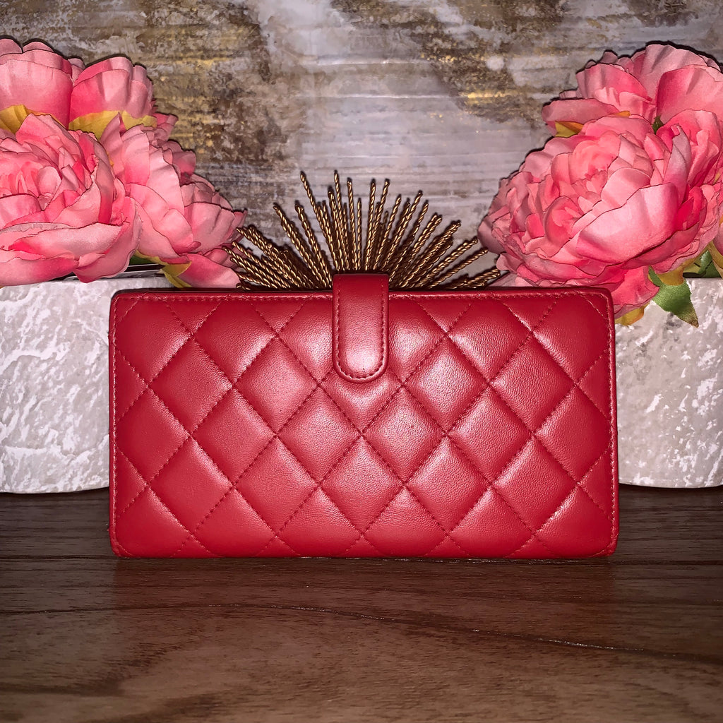 RED CHANEL CLUTCH WALLET WITH CHAIN