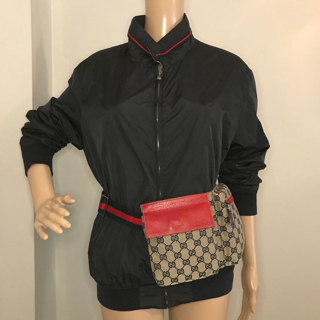 VINTAGE GUCCI GG SUPREME FANNY PACK WITH WEB DETAIL