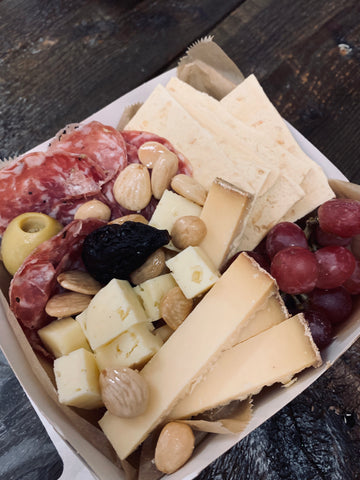 CHEESE SHOP LUNCH BOX FOR 1