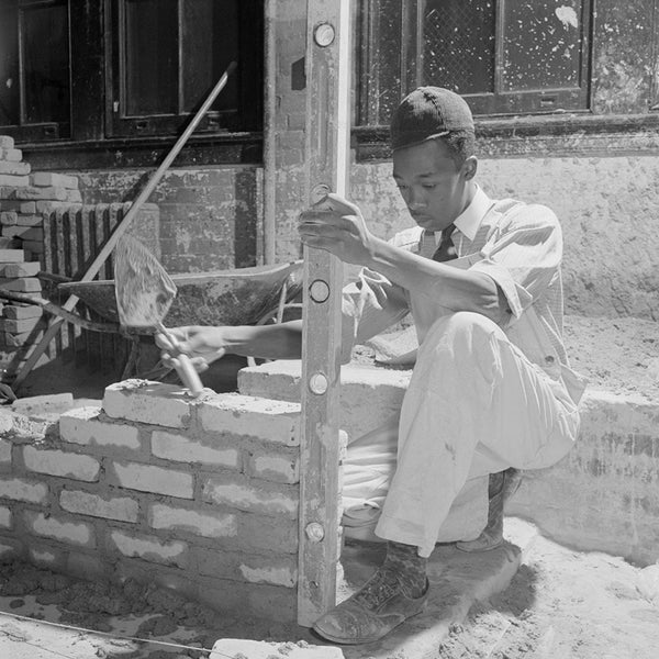 1942 Washington, D.C. Bricklaying class at the Armstrong Technical High School H04