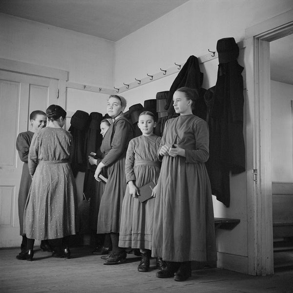 "1942 Mennonite girls waiting to enter ""Deutsch school"" H25"