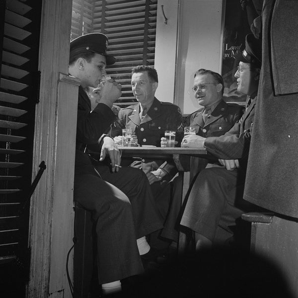1943 Soldiers From Hospital Drinking H46
