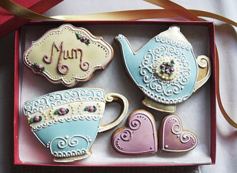 Teatime Vintage Style Mothers Day Biscuit Gift Box