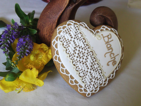 10 Crochet Lace Patterned Heart Cookie Favour