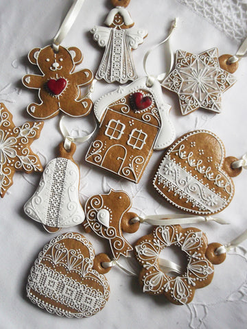 6 Classic Gingerbread Hanging Decorations Mix & Match