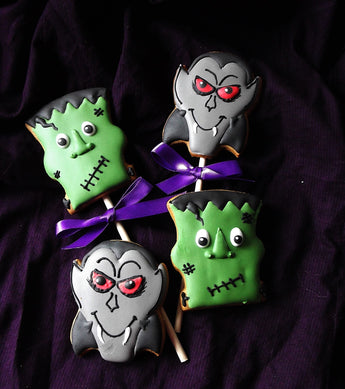 Dracula and Frankenstein cookies / 4 biscuits
