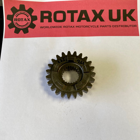 235-262 - Gear Pinion 16 / 19 Tooth