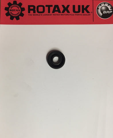 831740 - Oil Seal (Water Pump) for engine types: 256, 258, 354, 462, 467, 532, 535, 537, 582.