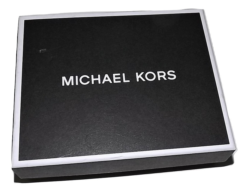 Michael Kors Jet Set Wallet Gift Packaging