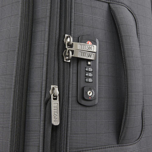 "Titan CEO 31"" 4 Wheel Spinner Luggage Lock"