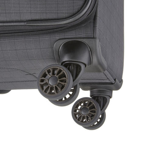 "Titan CEO 22"" Carry-on 4 Wheel Spinner Luggage Grey"