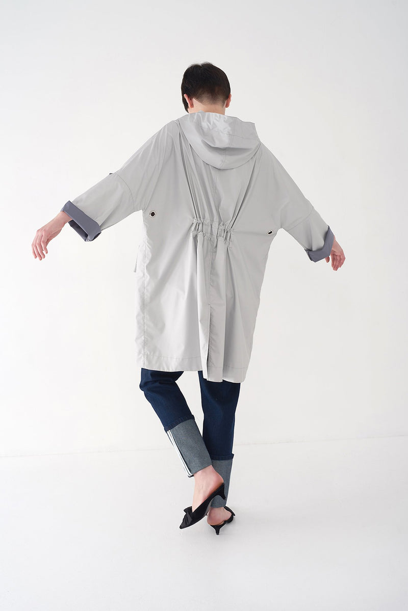 FEBE - Oversized Raincoat with Drawstrings - Søsken Studios