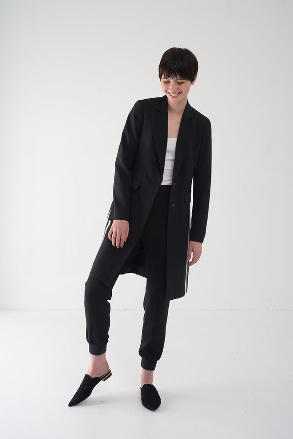 FYNN - Tailored black long coat - Søsken Studios
