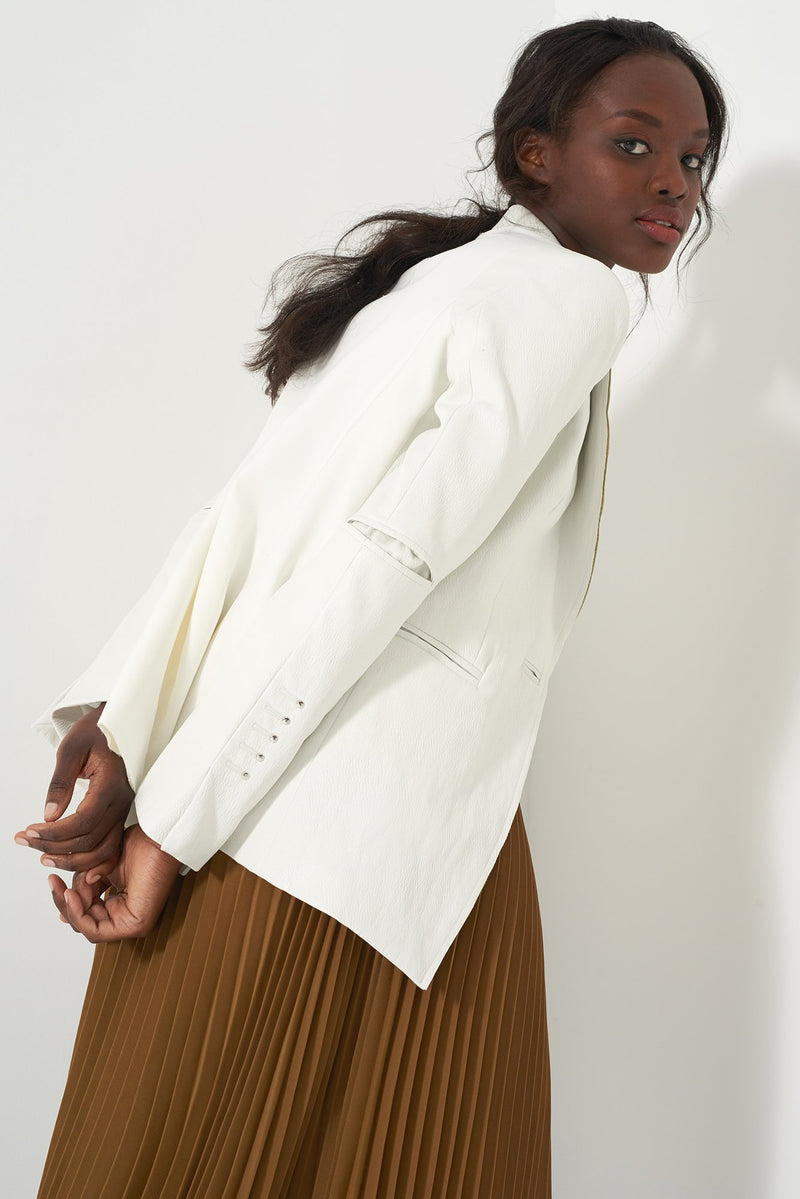 HOPE WHITE - Fitted Faux Leather Blazer