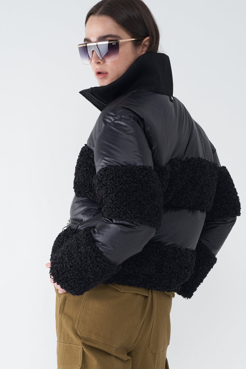 JUNE BLACK - GLOSSY SHORT DOWN JACKET