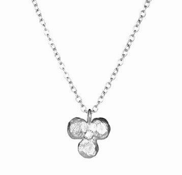 Clover Pendant with Diamond