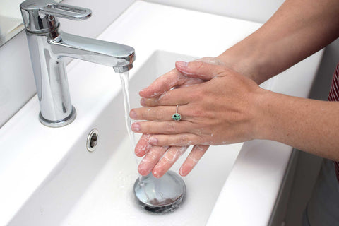 Washing hands while wearing jewellery
