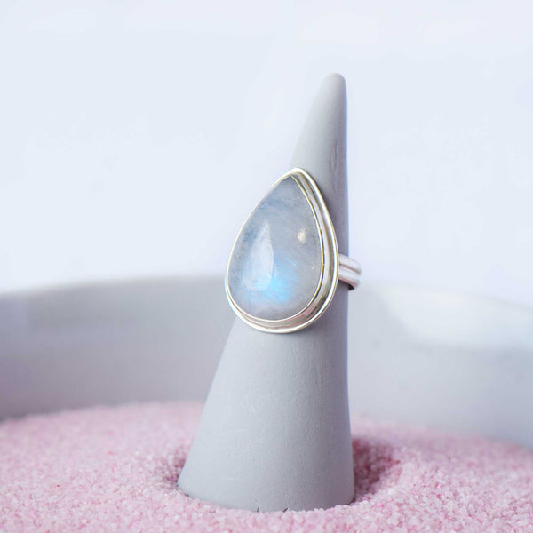 Moonstone Ring | Sterling Silver | Size 7 1/4