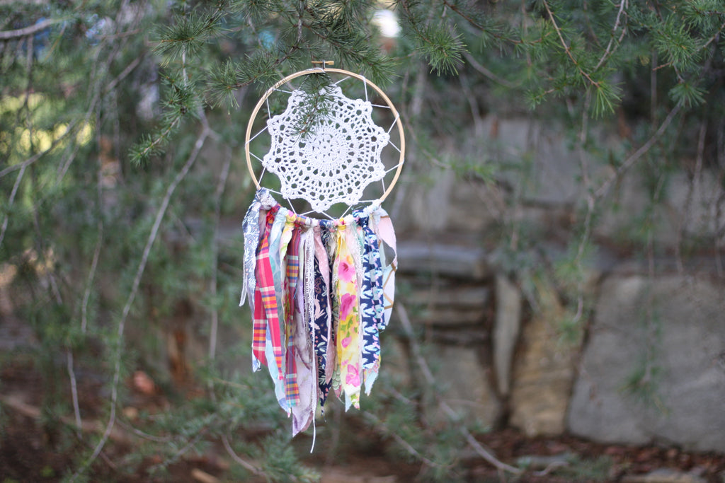 Upcycled dream catcher