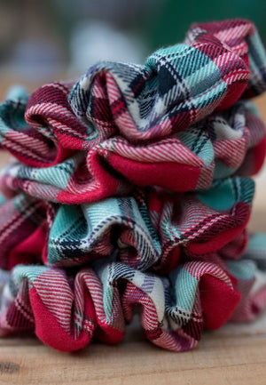 Jett Plaid Scrunchie Hair Tie