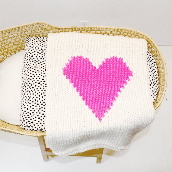 YARNING MADE  Bassinet Baby Blanket Heart Pink
