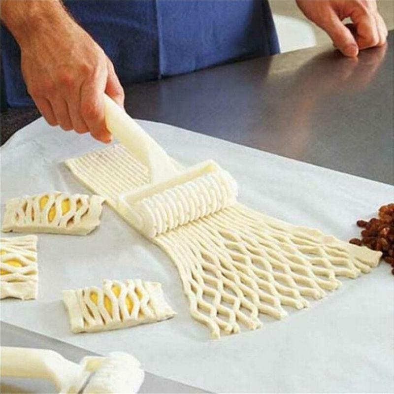 Rolling Lattice Cutter for Pies