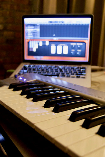 Learning Piano and Guitar using GarageBand