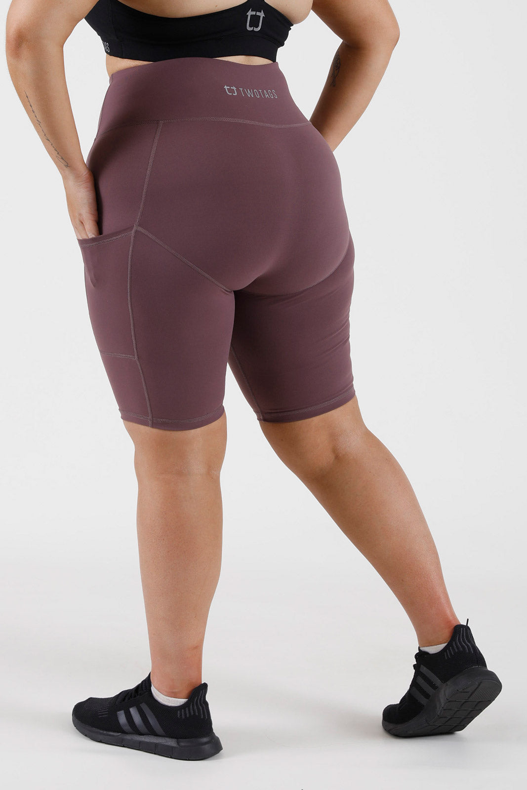 Balance Highwaisted Biker Shorts - Grape