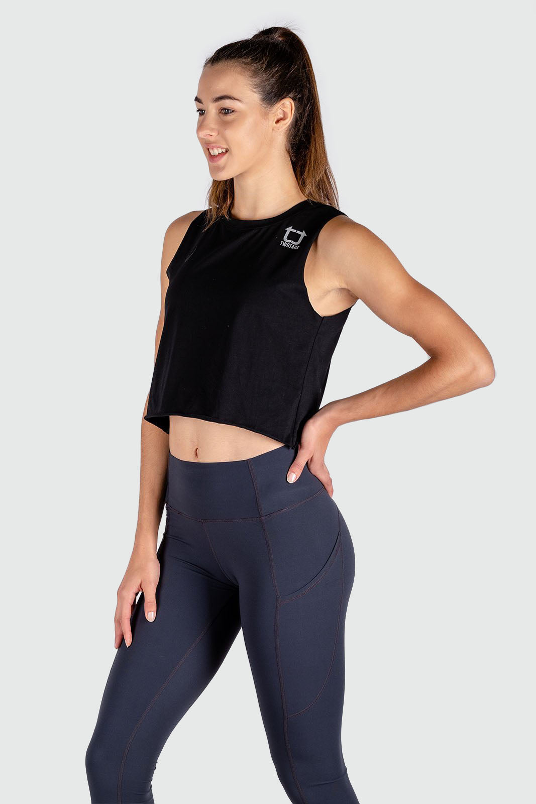 Muscle Cropped Tank - Black