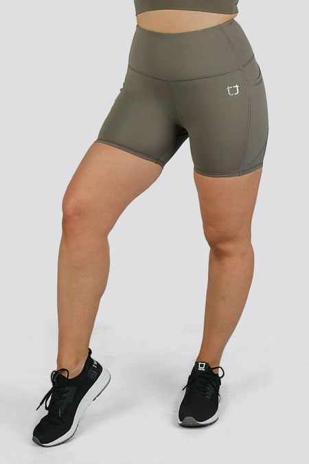 Essential Mid Biker Shorts - Black