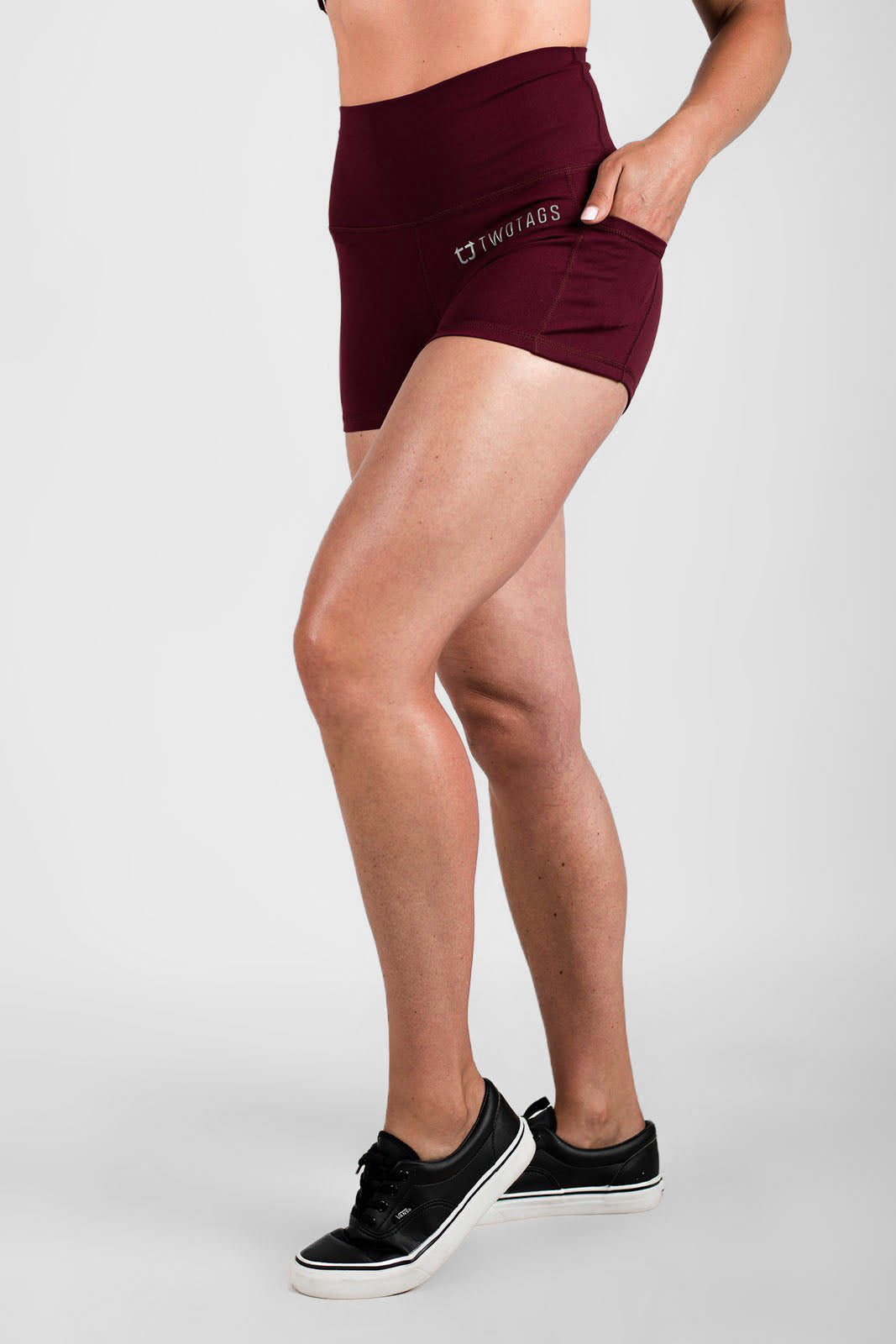 Twotags Ladies Highwaisted Scrunch Shorts – Burgundy