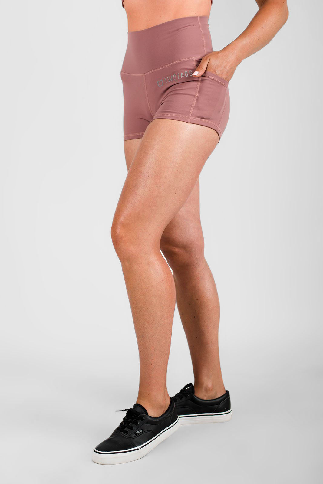 Twotags Ladies Highwaisted Scrunch Shorts – Mauve