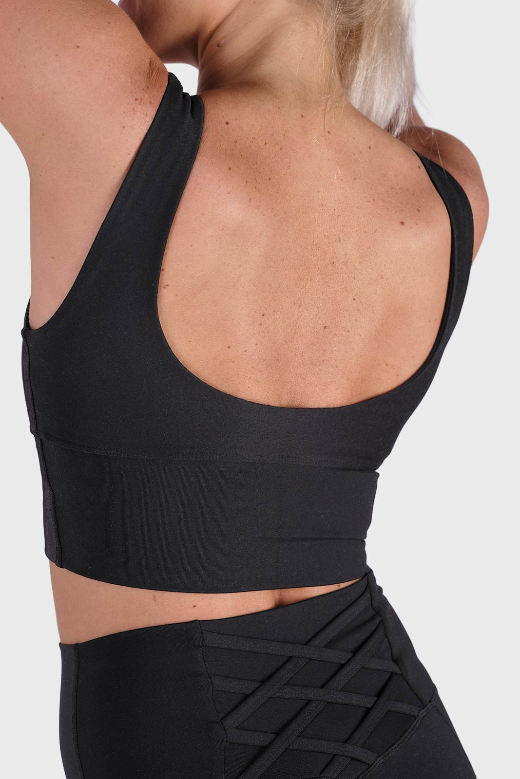 Vibe Supportive Cropped Tank - Black