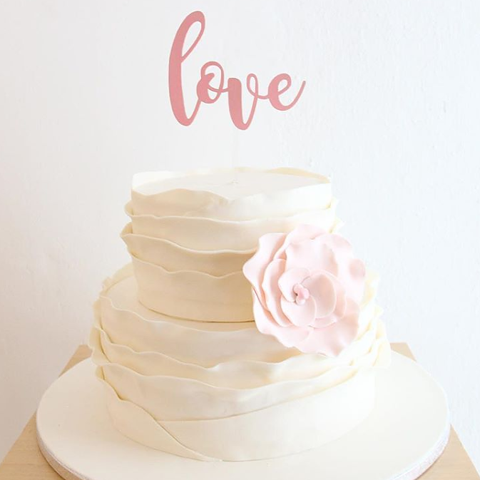 'Love' Floating Board Cake Topper
